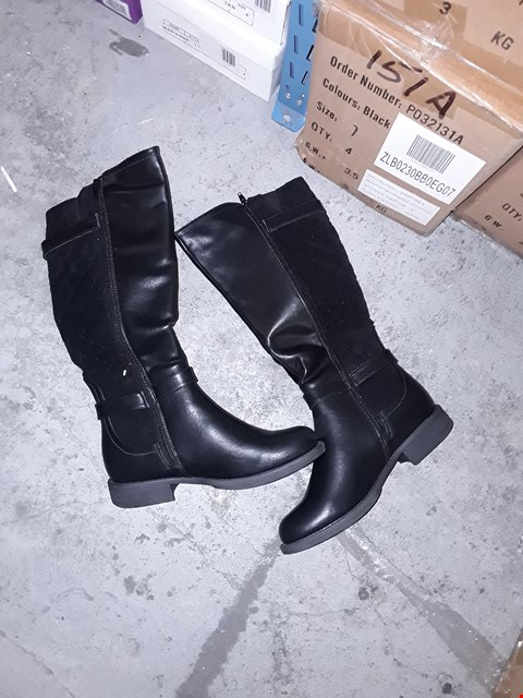 Lot 2221 A BOX TO CONTAIN 4 PAIRS OF BRAND NEW LADIES TALL QUILTED BOOTS BLACK SIZE 5  RRP £84