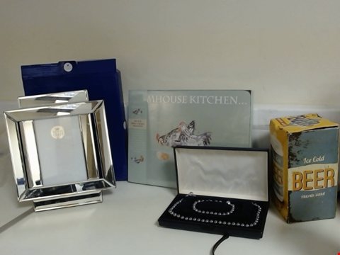 Lot 5325 LOT OF ASSORTED ITEMS TO INCLUDE ROYAL CREST MIRROR PHOTO FRAME, BEER MONEY BOX, SET OF PLACEMATS AND NECKLACE