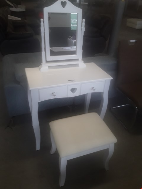 Lot 78 DESIGNER WHITE HEART DESIGN DRESSING TABLE WITH STOOL RRP £179.99