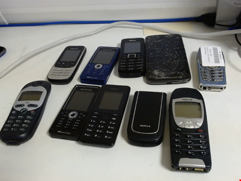 Lot 5111 LOT OF 10 ASSORTED MOBILE PHONES AND SMARTPHONES ETC