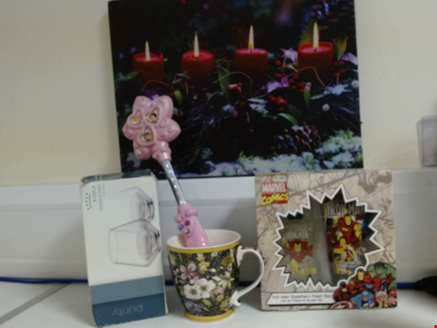 Lot 5324 LOT OF ASSORTED ITEMS TO INCLUDE MARVEL COMICS GIFT SET, KAHLA PURITY SHORT TUMBLERS, TOY WAND AND LIGHT UP CANVAS
