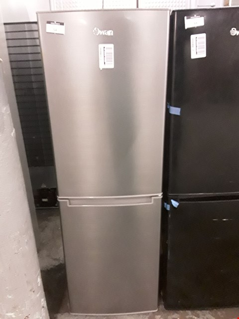Lot 54 SWAN R8180S 143CM 50/50 FRIDGE FREEZER IN SILVER