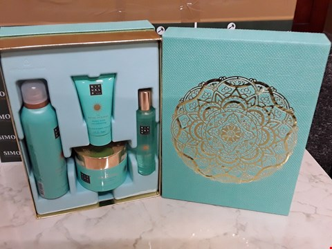 Lot 12054 RITUALS OF KARMA 4PC GIFT BOX