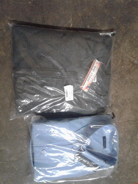 Lot 869 A BOX OF APPROXIMATELY 20 ASSORTED CLOTHING ITEMS TO INCLUDE A LIGHT BLUE CASUAL SHIRT AND A GREY CASUAL JUMPER