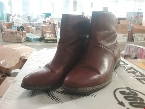 Lot 2875 UGG BRUNO ANKLE BOOT RRP £239