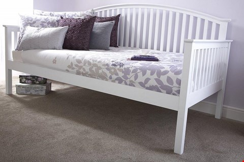 Lot 10037 DESIGNER BOXED MADRID WHITE WOODEN DAY BED (2 BOXES)