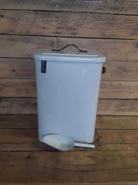 Lot 7244 COAL BIN WITH SCOOP