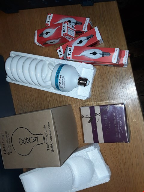 Lot 8197 A BOX OF APPROXIMATELY 18 ASSORTED ITEMS TO INCLUDE,  TED BAKER SCENTED CANDLE,  GLOBE LARGE SPIRAL FILAMENT 240V AND SEVERAL C35 CANDLE-TAIL BULBS  ETC