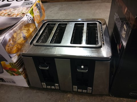 Lot 9001 4-SLICE TOASTER