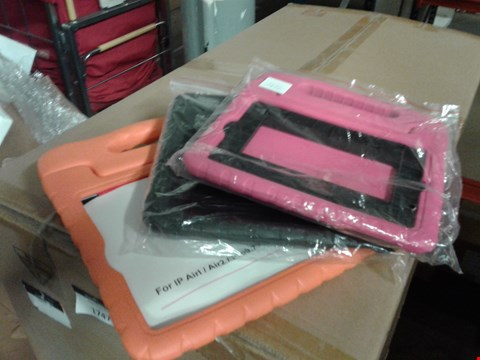 Lot 6012 SET OF 3 IPAD CASE WITH HANDLE