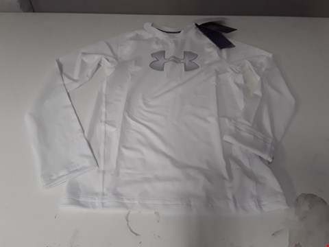 Lot 862 BRAND NEW UNDER ARMOUR BOYS HEAT GEAR WHITE EXERCISE JERSEY