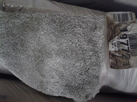 Lot 9022 ROLL OF SILVER GREY CARPET 05.00 X 06.48 APPROX