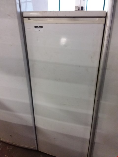 Lot 43 CURRYS ESSENTIALS CTL55W12 REFRIGERATOR