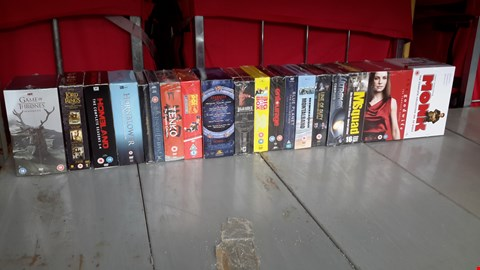 Lot 9039 LOT OF APPROXIMATELY 19 ASSORTED DVD BOX SETS INCLUDING GAME OF THRONES, BLUE PLANET, THE GOOD WIFE ETC