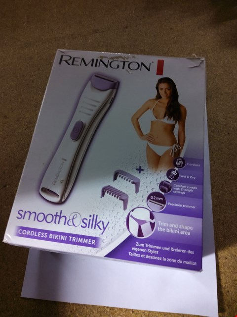 Lot 2003 REMINGTON SMOOTH AND SILKY CORDLESS BIKINI TRIMMER