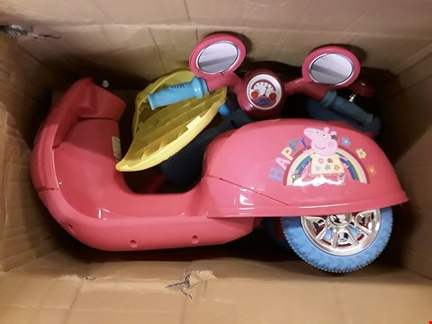 Lot 2339 PEPPA PIG 6V BATTERY OPERATED RIDE ON TRIKE RRP £127