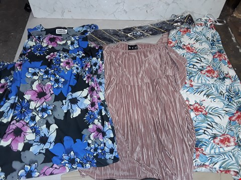 Lot 4015 LARGE QUANTITY OF ASSORTED CLOTHING ITEMS TO INCLUDE FLORAL SKIRT, DENNIS DAY PENCIL DRESS AND BTS BLOUSEI