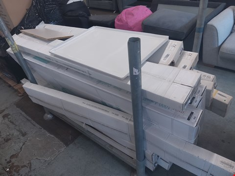 Lot 6071 PALLET OF ASSORTED ITEMS TO INCLUDE: SHOWER PARTS, BATH PANEL ETC