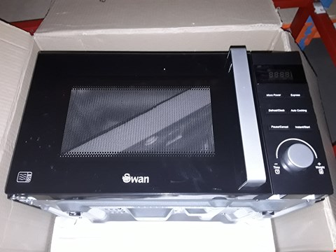 Lot 40 SWAN SM22100B 23L MICROWAVE BLACK  RRP £109.99
