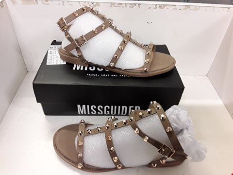 Lot 4027 PAIR OF DESIGNER STUDDED SANDALS IN THE STYLE OF MISSGUIDED SIZE UK 5