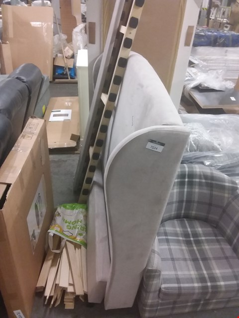 Lot 7224 GREY KING SIZE BED FRAME WITH 5' FABRIC HEADBOARD, SIDE RAILS AND BED SLATS