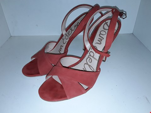 Lot 1008 A PAIR OF ALY CANDY RED KID SUEDE SHOES UK SIZE 7