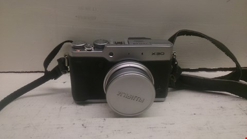 Lot 70 FUJIFILM X30 DIGITAL CAMERA