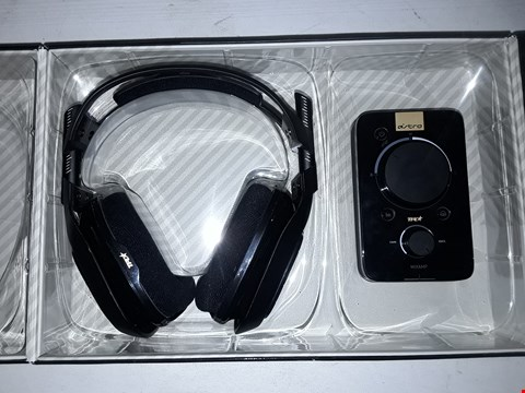 Lot 12257 ASTRO A40 + MIXAMP PRO HEADSET