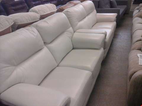 Lot 15 2 X QUALITY BRITISH MADE HARDWOOD FRAMED CREAM LEATHER 2 SEATER SOFA AND MATCHING STORAGE FOOTSTOOL