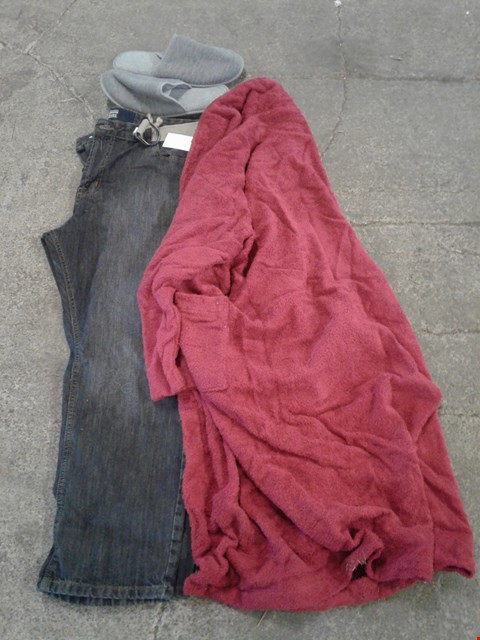 Lot 225 BOX OF APPROXIMATELY 27 CLOTHING, SHOES AND ACCESSORIES TO INCLUDE DARK DENIM JEANS, GREY SLIPPERS AND MAROON BATH ROBE - VARIOUS SIZES