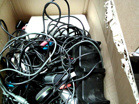 Lot 15650 BOX OF ASSORTED GAMING PERIPHERALS TO INCLUDE MICROPHONES, CONTROLLERS, HEADPHONES ETC