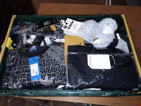 Lot 4730 LARGE CRATE OF ASSORTED DESIGNER CLOTHING ITEMS