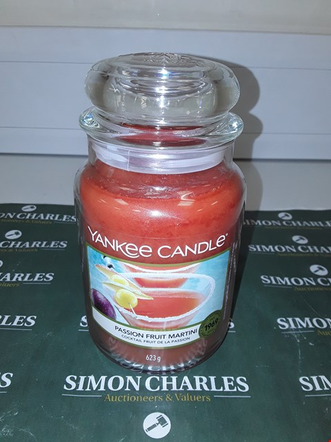 Lot 9134 LARGE YANKEE CANDLE - PASSION FRUIT MARTINI RRP £20.00
