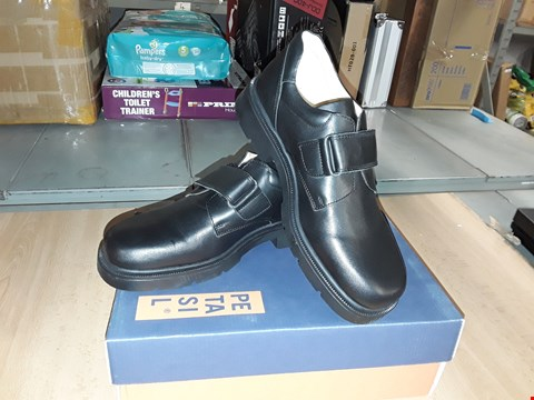 Lot 12335 BOXED PETASIL OLLIE BLACK LEATHER VELCRO STRAP SCHOOL SHOES UK SIZE 4