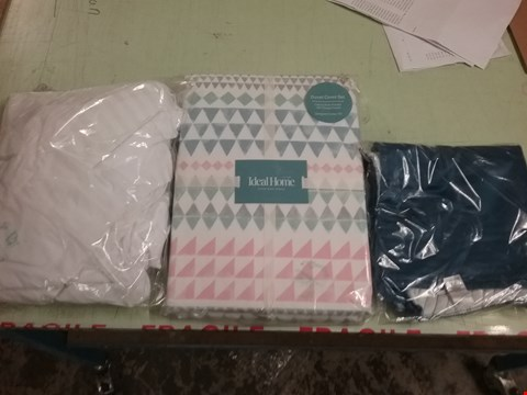 Lot 207 THREE LOTS OF BEDDING TO INCLUDE BLUE CUSHION COVER, DOUBLE BED SHEET AND DOUBLE BED SET