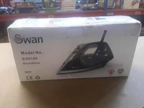 Lot 412 SWAN STEAM IRON SI50100 RRP £24.99