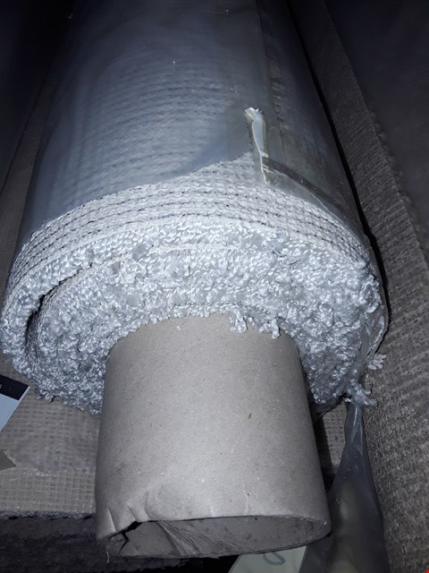 Lot 3066 ROLL OF SENSUAL CARPET, APPROXIMATELY 4X2.73 METERS - CRYSTAL LIGHT GREY