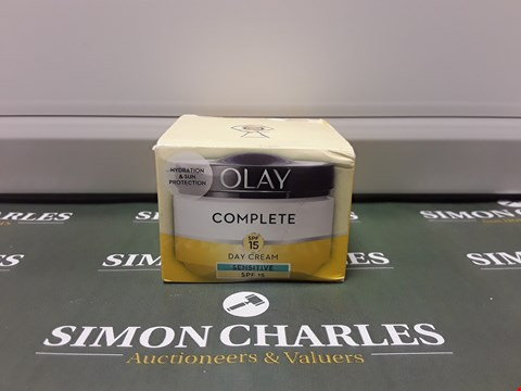 Lot 162 BOXED OLAY COMPLETE DAY CREAM