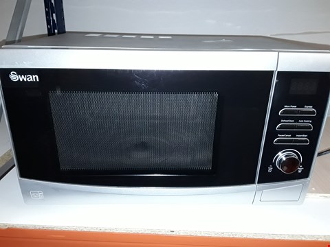 Lot 98 SWAN 23 L TOUCH CONTROL MICROWAVE IN SILVER  RRP £109.99