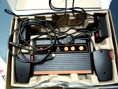 Lot 18 ATARI FLASHBACK 8 GOLD