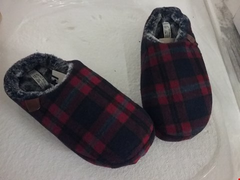 Lot 131 FAT FACE SLIPPERS - RED CHECKER PATTERN, SIZE 10 UK