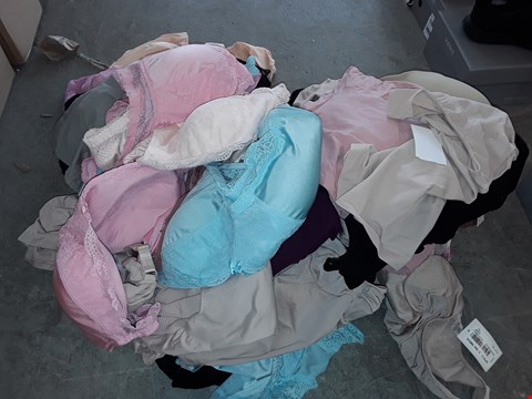 Lot 326 LOT OF APPROXIMATELY 68 ASSORTED CLOTHING ITEMS IN VARIOUS SIZES TO INCLUDE CONTROL WEAR AND BRAS