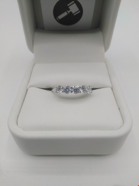 Lot 18 18CT WHITE GOLD FIVE STONE HALF ETERNITY RING SET WITH DIAMONDS WEIGHING +0.87CT RRP £2400.00