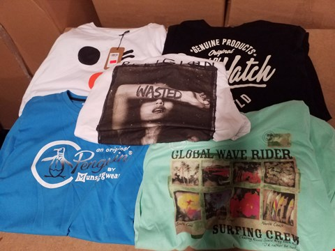 Lot 9346 LOT OF APPROXIMATELY 171 ASSORTED DESIGNER T-SHIRTS (3 BOXES)