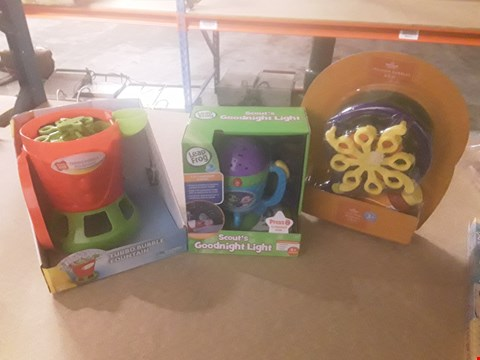 Lot 312 3 ASSORTEDPRODUCTS TO INCLUDE; PLAY DAY TURBO BUBBLE FOUNTAIN, LEAP FROG SCOUTS GOODNIGHT LIGHT AND TRILLION BUBBLES
