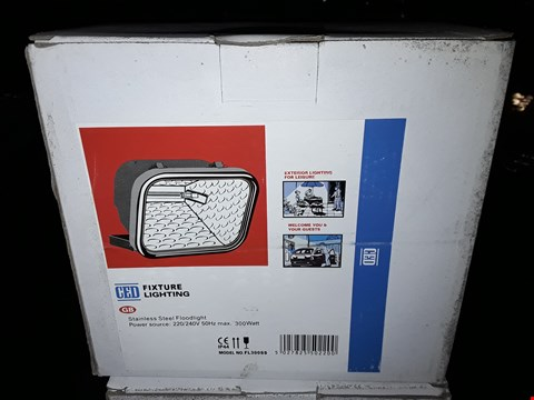 Lot 3025 BOXED CED STAINLESS STEEL 220 -240V FLOODLIGHTS