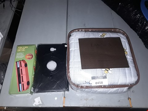 Lot 8458 LOT OF 3 ASSORTED ITEMS TO INCLUDE A PACK OF TABLET COVERS, A LANGRIA BUMBLEBEE WEIGHTED BLANKET AND A DOUBLE MAGNETIC WINDOW CLEANER