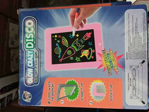 Lot 2005 A LOT OF 10 ITEMS TO INCLUDE GLOW CRAZY DISCO NEON LIGHT UP GLOW BOAR, GLOW CRAZY LIGHT UP CREATIVE BOARD AND GLOW CRAZY TRAVEL KIT