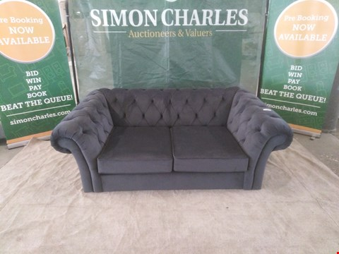 Lot 8 QUALITY BRITISH MADE DESIGNER CHARCOAL VELVET BUTTON BACK 2 SEATER SOFA WITH SCROLL ARMS