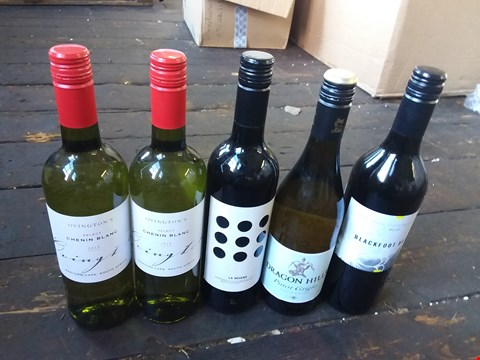 Lot 2517 LOT OF 11 ASSORTED WINES TO INCLUDE EVENIN BLANC 2018, DRAGON HILL PINOT GRIGIO AND BACKDOOR DAISY WINES
